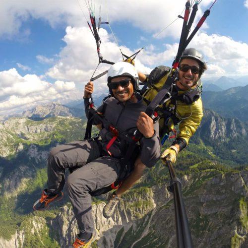 gleitschirm tandemflug über den allgäuer alpen.