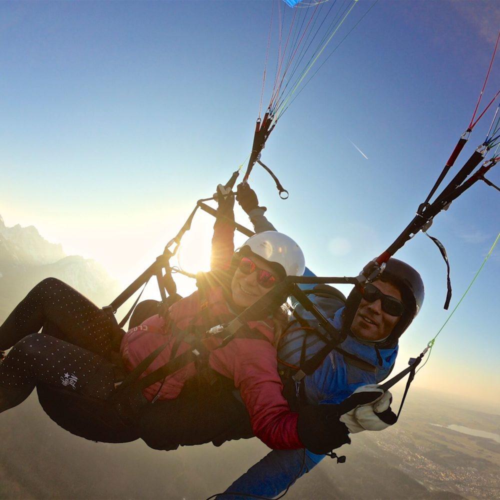 sunset paragliding über füssen im allgäu.